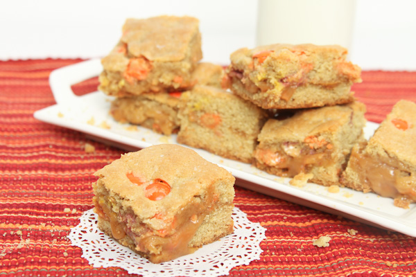 Reese's Pieces Caramel Cookie Bars