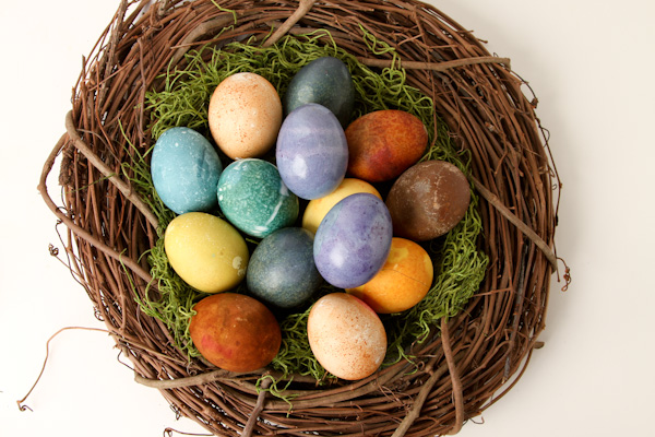 Natural Dyed Easter Eggs | Sweet Southern Blue